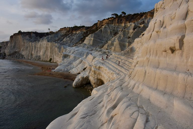 white rocky cliffs at Scala dei Turchi